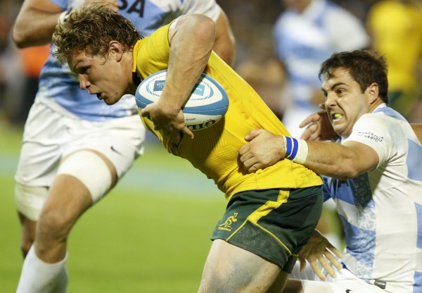 ROSARIO, ARGENTINA - OCTOBER 05: Michael Hooper of Australia in action during a match against Argentina in the Rugby Championship 2013 at Gigante de Arroyito stadium on October 05, 2013 in Rosario, Argentina. (Photo by Gabriel Rossi/LatinContent/Getty Images)