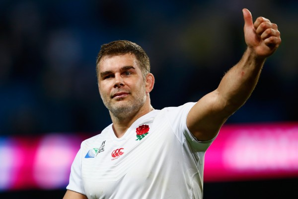 MANCHESTER, ENGLAND - OCTOBER 10: Nick Easter of England applauds the crowd during the 2015 Rugby World Cup Pool A match between England and Uruguay at Manchester City Stadium on October 10, 2015 in Manchester, United Kingdom. (Photo by Laurence Griffiths/Getty Images)