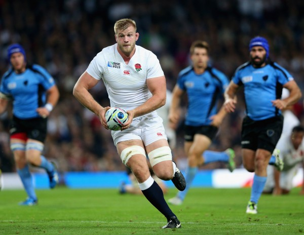 MANCHESTER, ENGLAND - OCTOBER 10: George Kruis of England runs with the bal during the 2015 Rugby World Cup Pool A match between England and Uruguay at Manchester City Stadium on October 10, 2015 in Manchester, United Kingdom. (Photo by David Rogers/Getty Images)