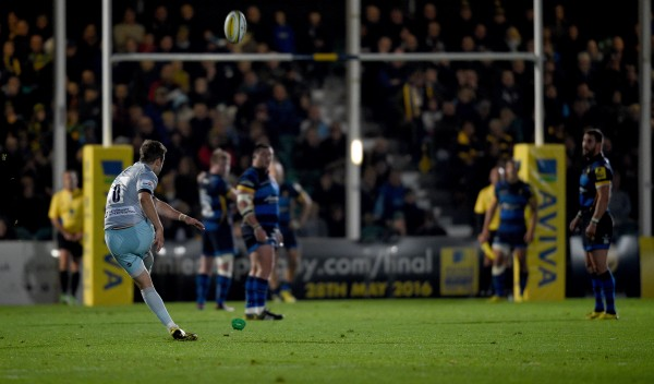 WORCESTER, ENGLAND - OCTOBER 16: Stephen Myler of Northampton kicks a penalty during the Aviva Premiership match between Worcester Warriors and Northampton Saints at Sixways Stadium on October 16, 2015 in Worcester, England. (Photo by Ross Kinnaird/Getty Images)