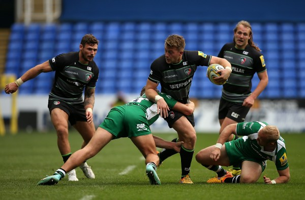 READING, ENGLAND - OCTOBER 18: George Catchpole of Leicester is tackled by Andrew Fenby of London Irish during the Aviva Premiership match between London Irish and Leicester Tigers at Madejski Stadium on October 18, 2015 in Reading, England. (Photo by Ben Hoskins/Getty Images)