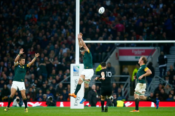 LONDON, ENGLAND - OCTOBER 24: Dan Carter of the New Zealand All Blacks kicks a drop goal during the 2015 Rugby World Cup Semi Final match between South Africa and New Zealand at Twickenham Stadium on October 24, 2015 in London, United Kingdom. (Photo by Mike Hewitt/Getty Images)