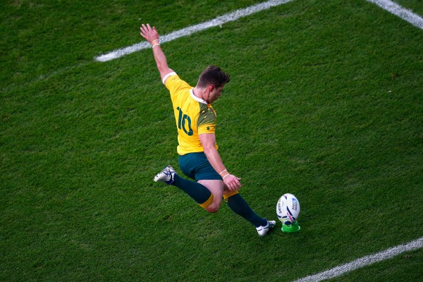 LONDON, ENGLAND - OCTOBER 25: Bernard Foley of Australia kicks at goal during the 2015 Rugby World Cup Semi Final match between Argentina and Australia at Twickenham Stadium on October 25, 2015 in London, United Kingdom.  (Photo by Shaun Botterill/Getty Images)