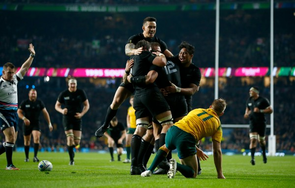 LONDON, ENGLAND - OCTOBER 31: New Zealand players celebrate their team's second try scored by Ma'a Nonu of New Zealand during the 2015 Rugby World Cup Final match between New Zealand and Australia at Twickenham Stadium on October 31, 2015 in London, United Kingdom. (Photo by Mike Hewitt/Getty Images)