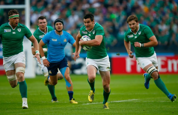 LONDON, ENGLAND - OCTOBER 04: Jonathan Sexton of Ireland makes a break during the 2015 Rugby World Cup Pool D match between Ireland and Italy at the Olympic Stadium on October 4, 2015 in London, United Kingdom. (Photo by Mike Hewitt/Getty Images)