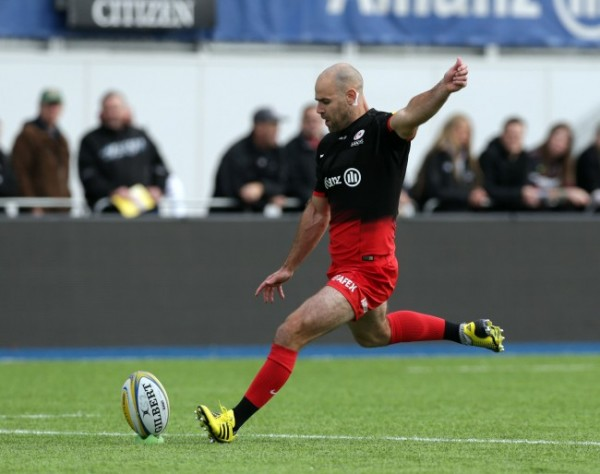 BARNET, ENGLAND - OCTOBER 17: Charlie Hodgson of Saracens during the Aviva Premiership match between Saracens and Sale Sharks at Allianz Park on October 17, 2015 in Barnet, England. (Photo by Clint Hughes/Getty Images)