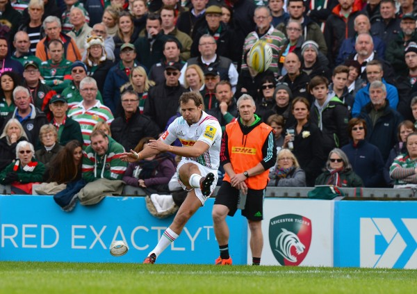 LEICESTER, ENGLAND - OCTOBER 25: Nick Evans of Harlequins kicks a conversion during the Aviva Premiership match between Leicester Tigers and Harlequins at Welford Road on October 25, 2015 in Leicester, England. (Photo by Tony Marshall/Getty Images)