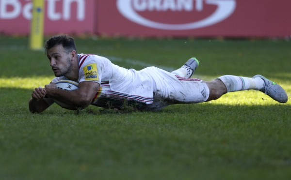 BATH, ENGLAND - OCTOBER 31: Danny Care of Harlequins scores a try during the Aviva Premiership Match between Bath Rugby and Harlequins at The Recreation Ground on October 31, 2015 in Bath, England. (Photo by Julian Herbert/Getty Images)