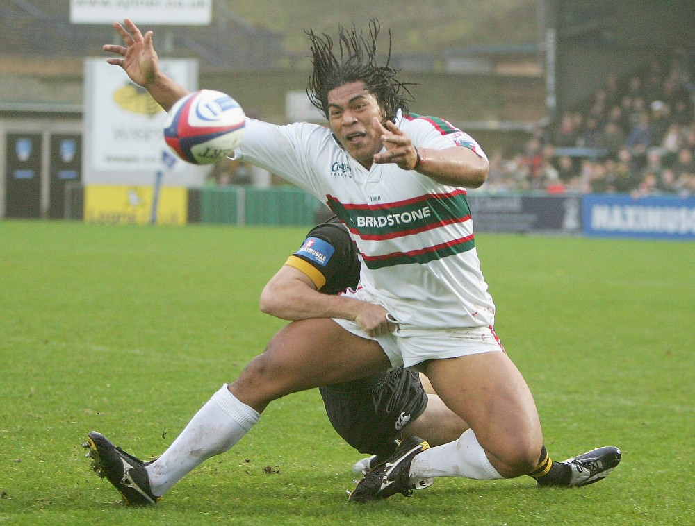 HIGH WYCOMBE, ENGLAND -  NOVEMBER 21:  Henry Tuilagi of Leicester is stopped by Tom Voyce of Wasps during the Zurich Premiership match between London Wasps and Leicester Tigers on November 21, 2004 at the Causeway Stadium in High Wycombe, England. (Photo by Mike Hewitt/Getty Images)