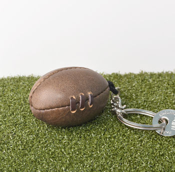 normal_vintage-leather-rugby-ball-keyring