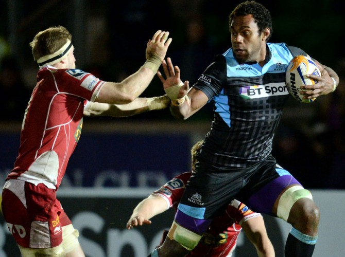 22/03/14 RABODIRECT PRO12 GLASGOW WARRIORS V SCARLETS SCOTSTOUN STADIUM - GLASGOW Glasgow Warriors' Leone Nakarawa (right) speeds past Phil John